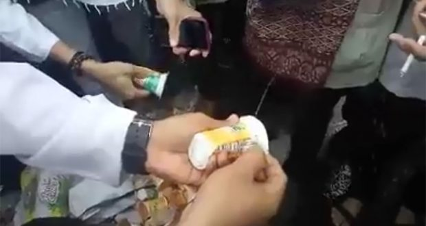 Aksi Bela Islam III - Ditemukan Minuman Kemasan Telah Disuntik