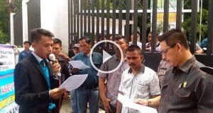 Tolak Penggusuran, Massa Pasar Timah Geruduk DPRD Medan