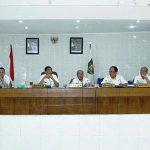 Bupati Asahan Taufan Gama Simatupang ketika memimpin Rakorpem, di aula Melati Kantor Bupati Asahan, Kisaran, Rabu (24/5/2017).