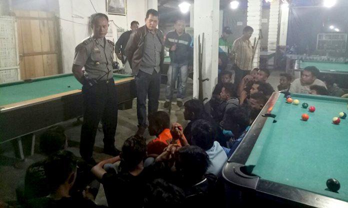 Lagi Main Biliar, Enam Pria Diamankan Polisi Dalam Razia Preman