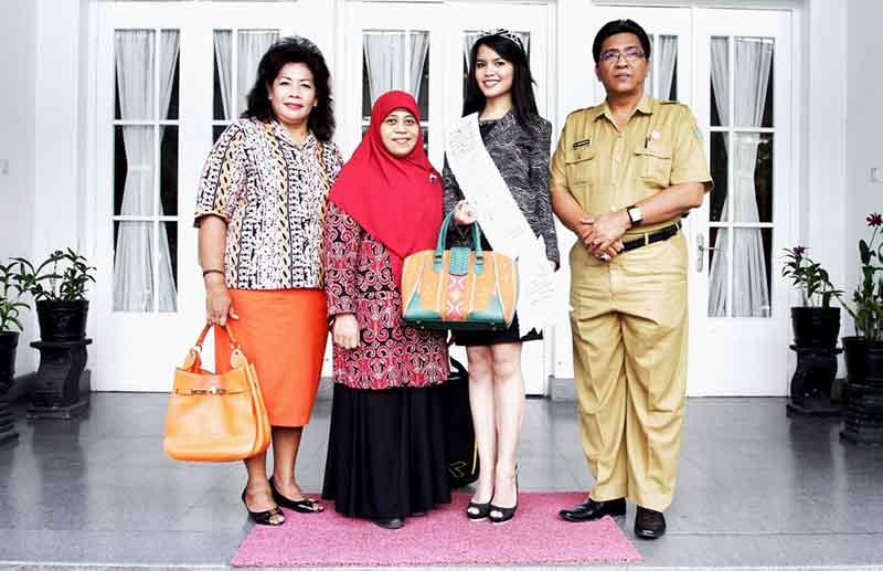 Foto bersama Kadis Pariwisata beserta Ibu