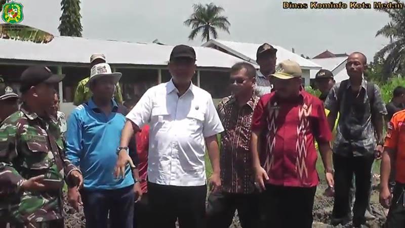 Walikota Pimpin Gotong Royong di Kecamatan Medan Marelan