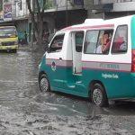 Pasca Diguyur Hujan Jalan Titi Pahlawan Medan Labuhan Berlumpur