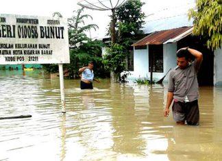 Rencana Diungsikan Karena Banjir, Tiga SDN Tetap Selenggarakan Ujian Di Sekolah Masing Masing