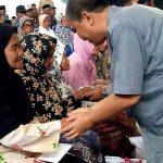 Pemkab Asahan Berikan Bantuan Beras Kepada 1000 Warga Kurang Mampu