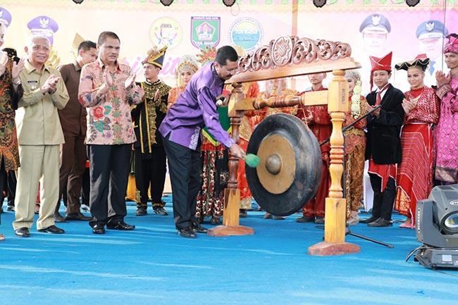 Tingkatkan Kunjungan Wisatawan, Gubsu Imbau Setiap Daerah Gelar Kegiatan Seni dan Budaya